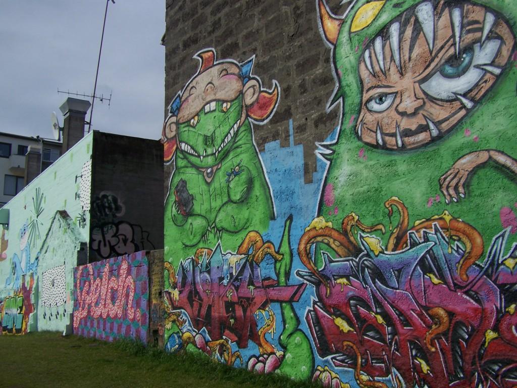 tags dans les rues de Reykjavik street art