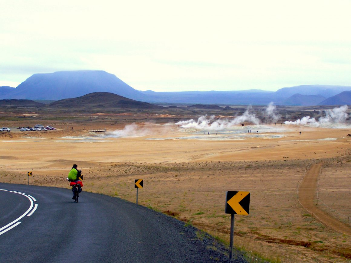 Visiter lac Myvatn volcan Islande a vélo