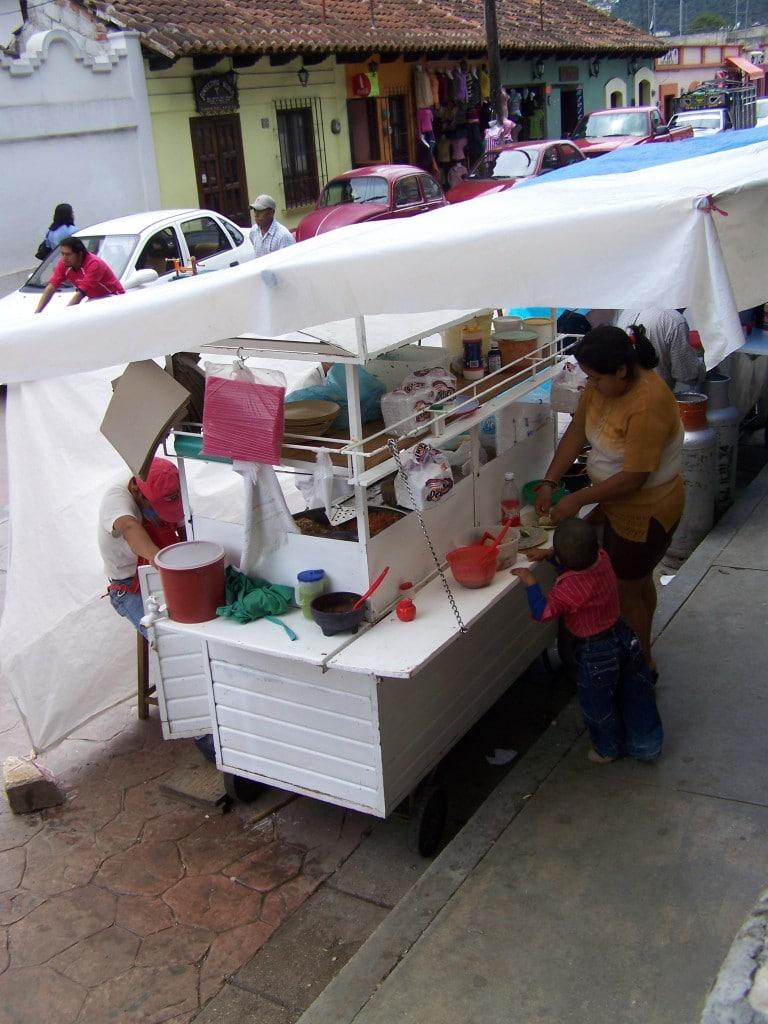stand rue San Cristobal de Las Casas mexique