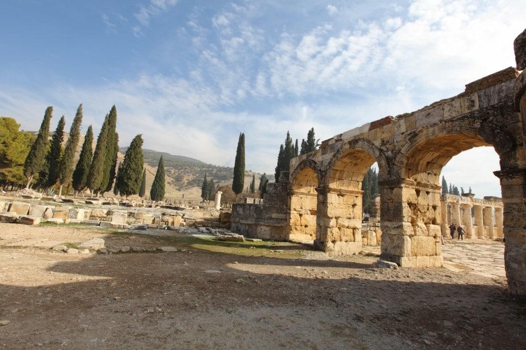 ruine d'Hierapolis sur le site de Pamukkale