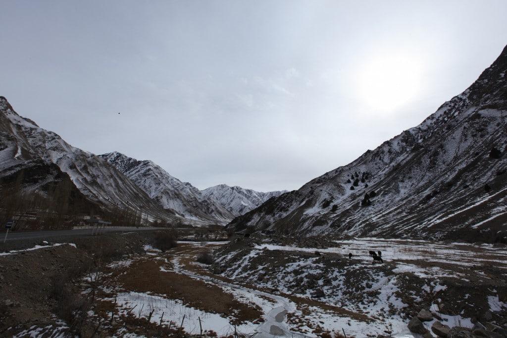 paysage montagnes au Kirghizistan