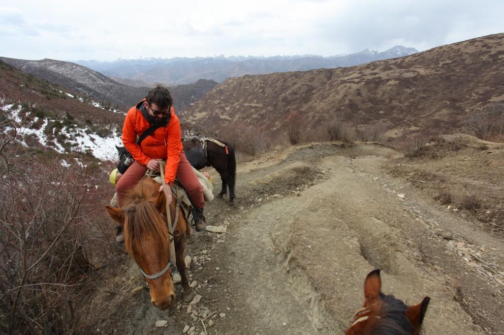 montagnes sichuan trek cheval sonpgan