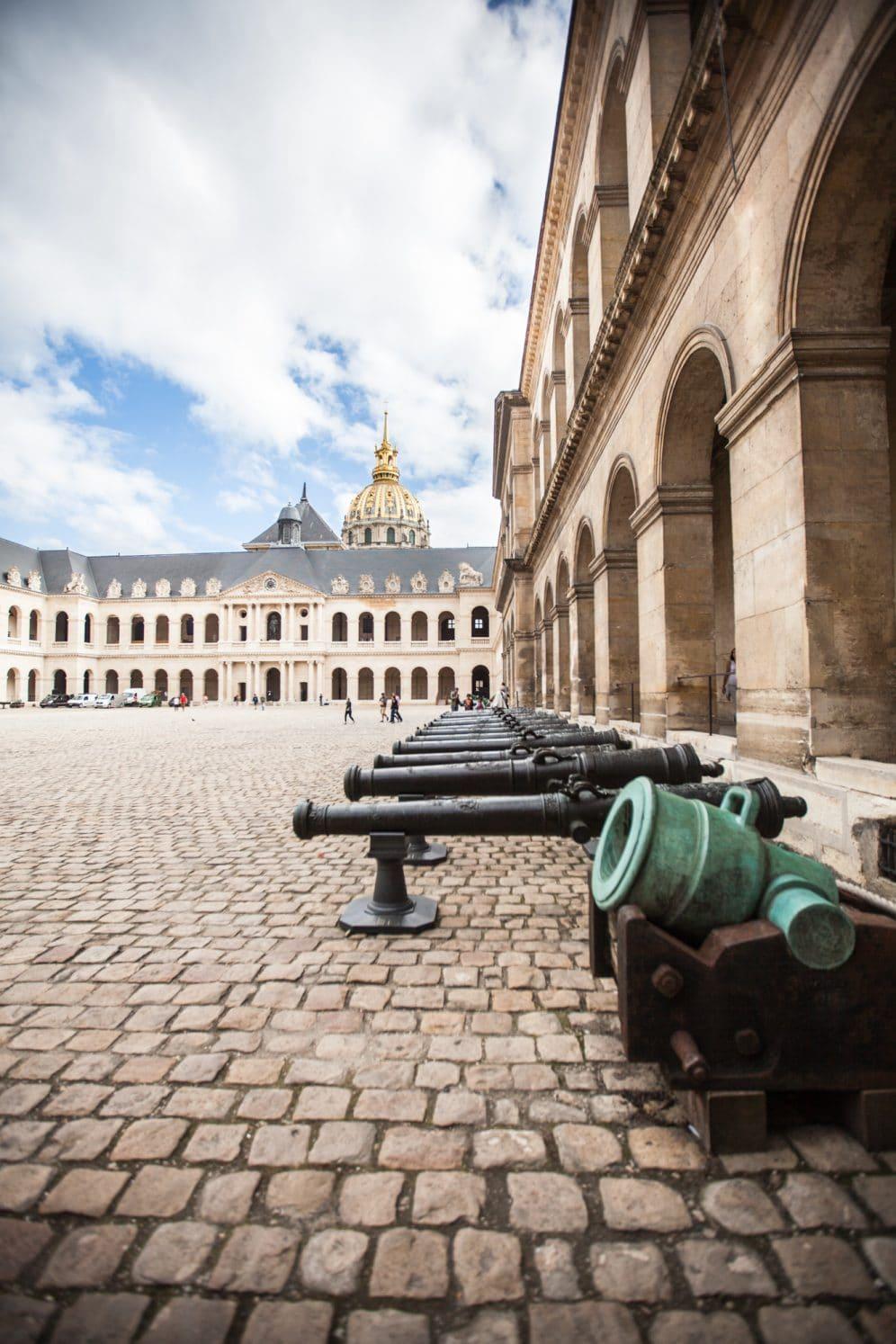 Cour intérieure Invalides visiter Paris