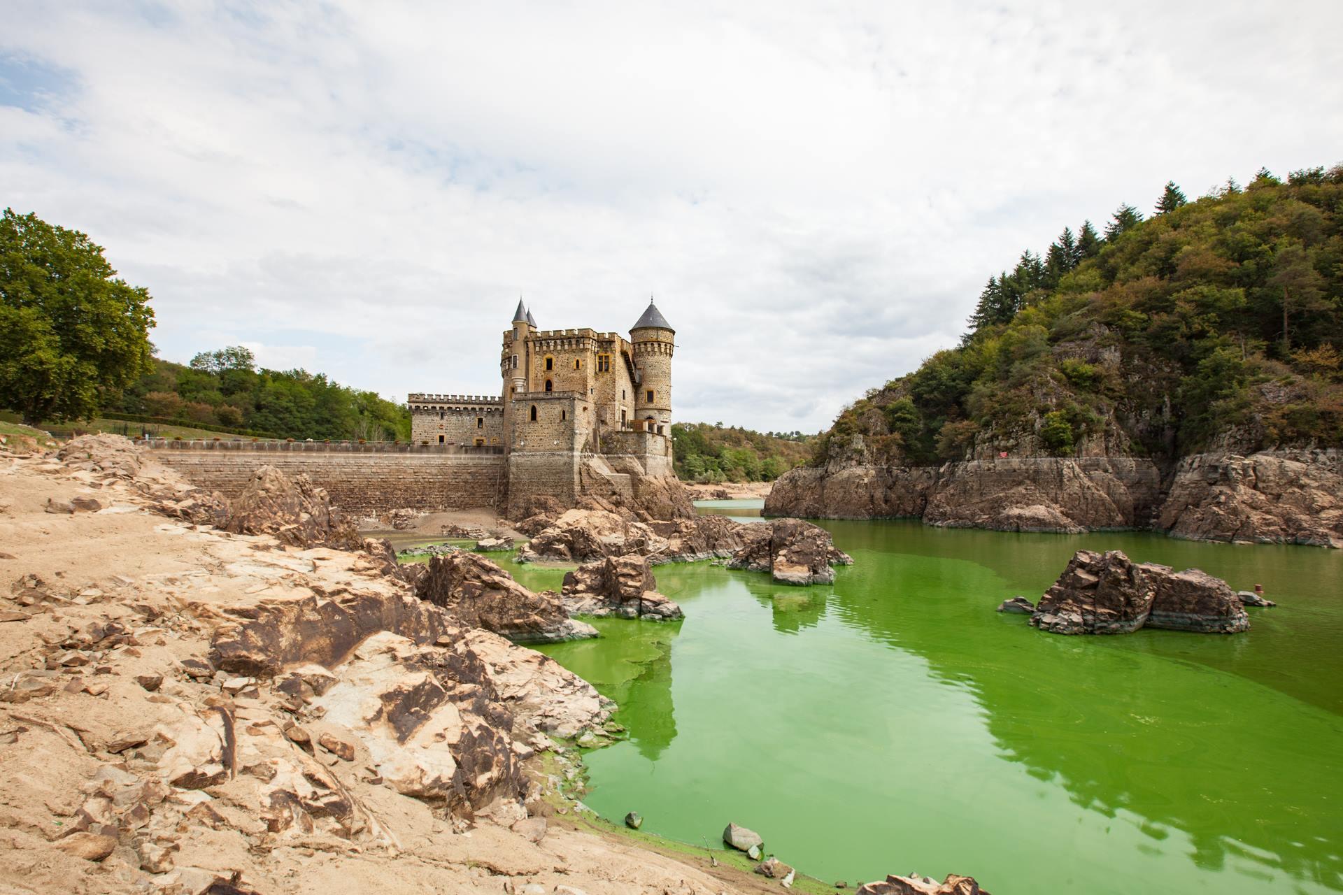 château de la Roche visiter le Roannais villages de caractère